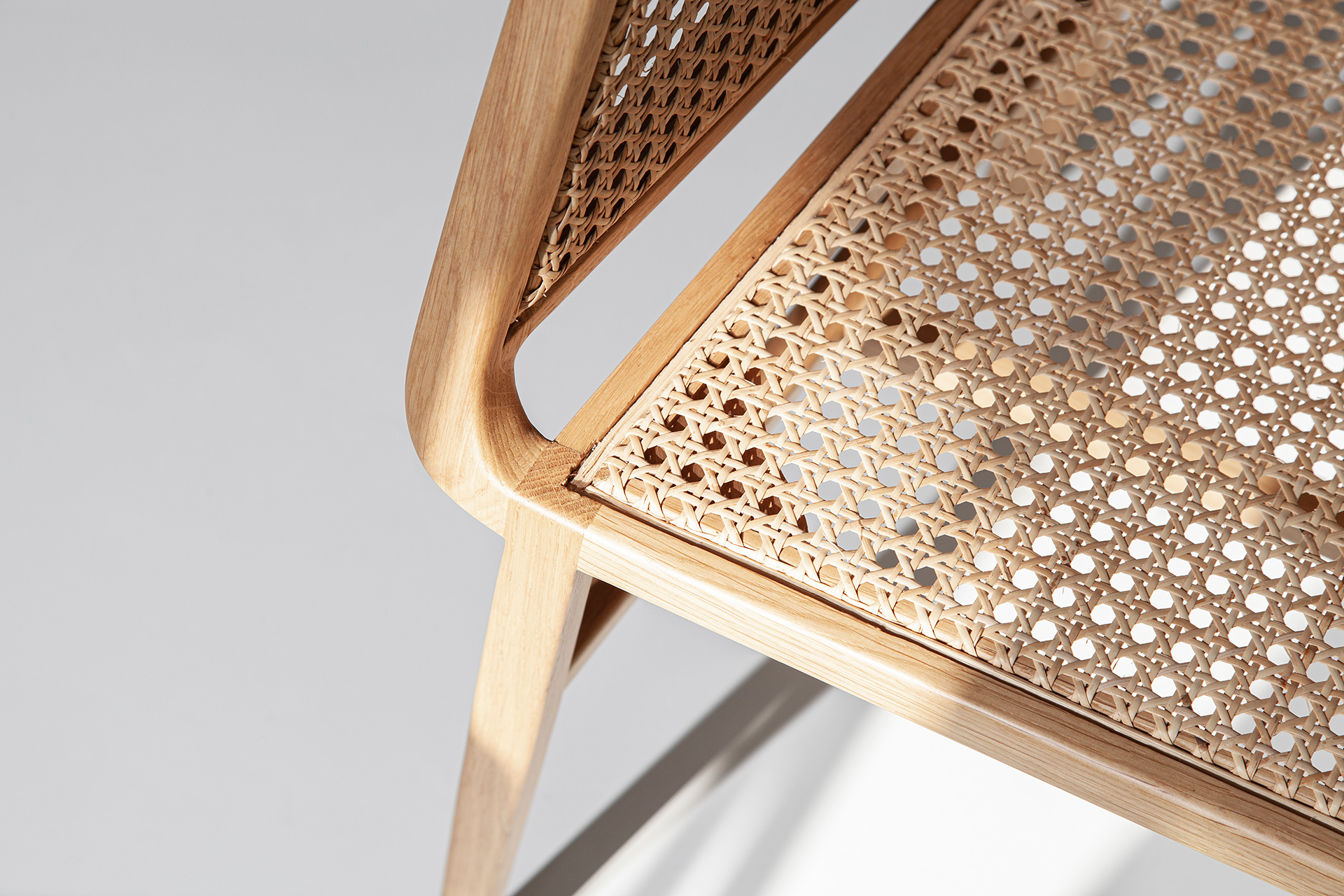 Bee Chair- DESIGN BY MIGUEL SOEIRO