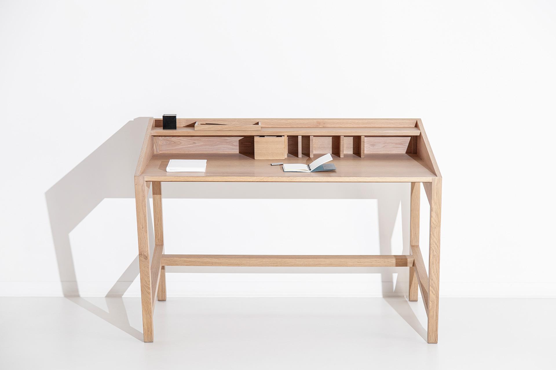 Torta Desk Front - DESIGN BY MIGUEL SOEIRO