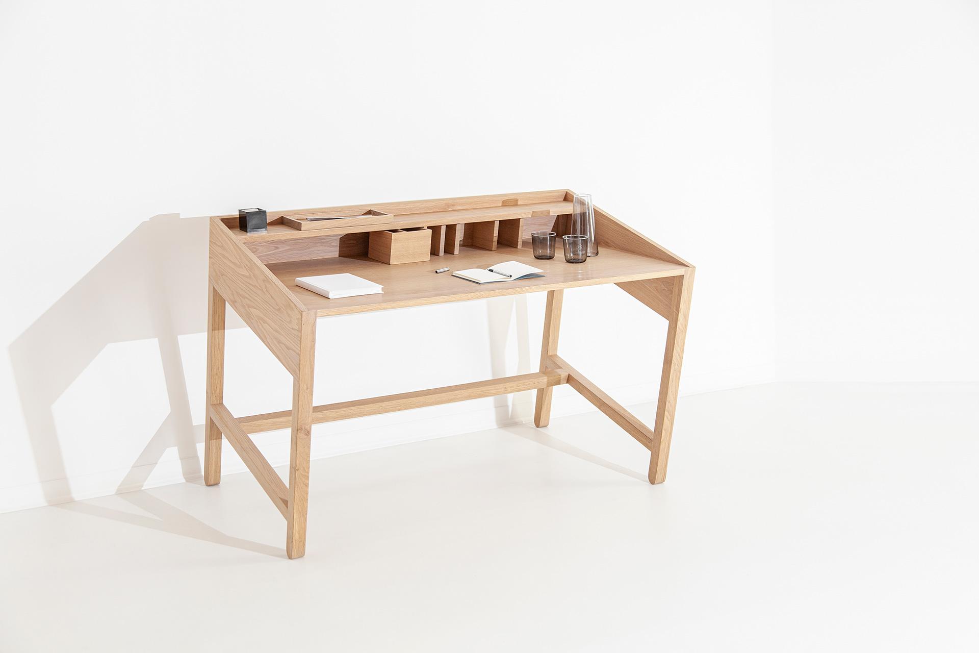 Torta Desk Right- DESIGN BY MIGUEL SOEIRO