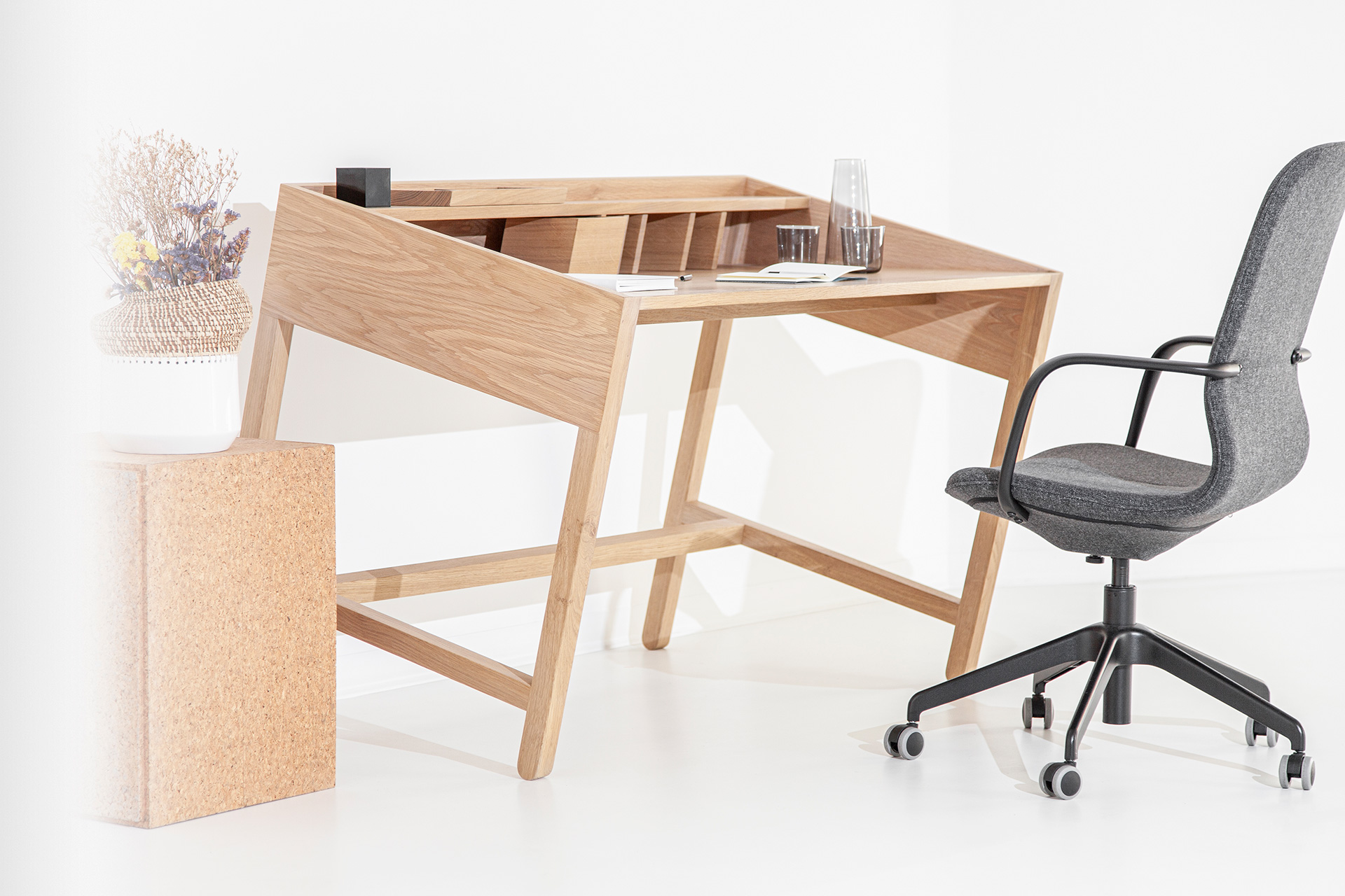 Torta Desk With Chair - DESIGN BY MIGUEL SOEIRO